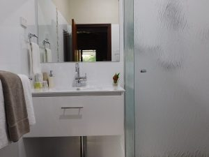 Stylish ensuites in this Margaret River Accommodation with free barbeque, free wi-fi, free breakfast, free wine